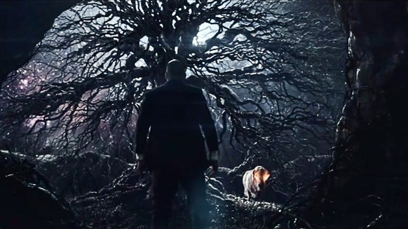 American Gods' Shadow Moon at a mysterious tree (Photo: Starz)