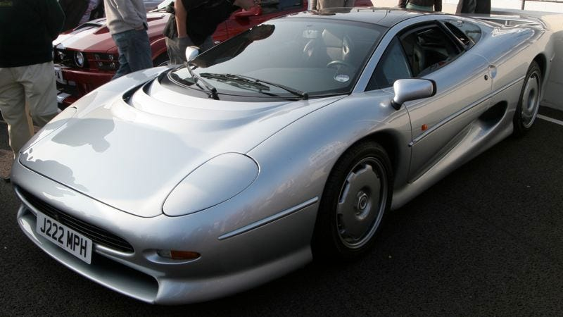 Illustration for article titled Is the Lexus LFA today's Jaguar XJ220?