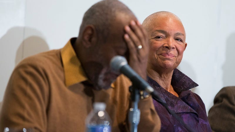 Illustration for article titled Bill Cosby's Wife, Camille, Will Have To Testify in Defamation Case