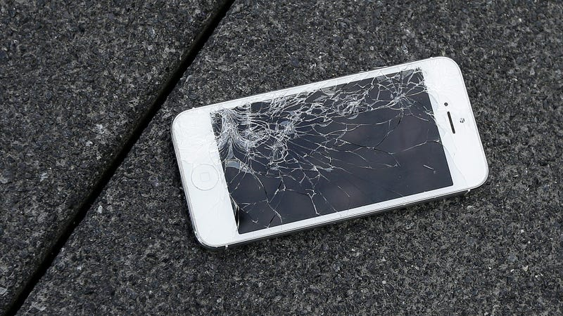 Right to Repair Advocate Has iPhone Screens Seized by Border