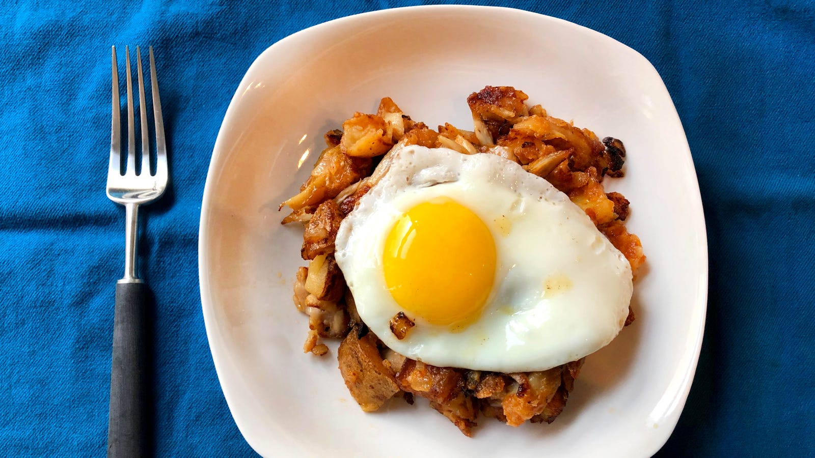 Turn leftover party chickens wings and potato skins into a crispy hash