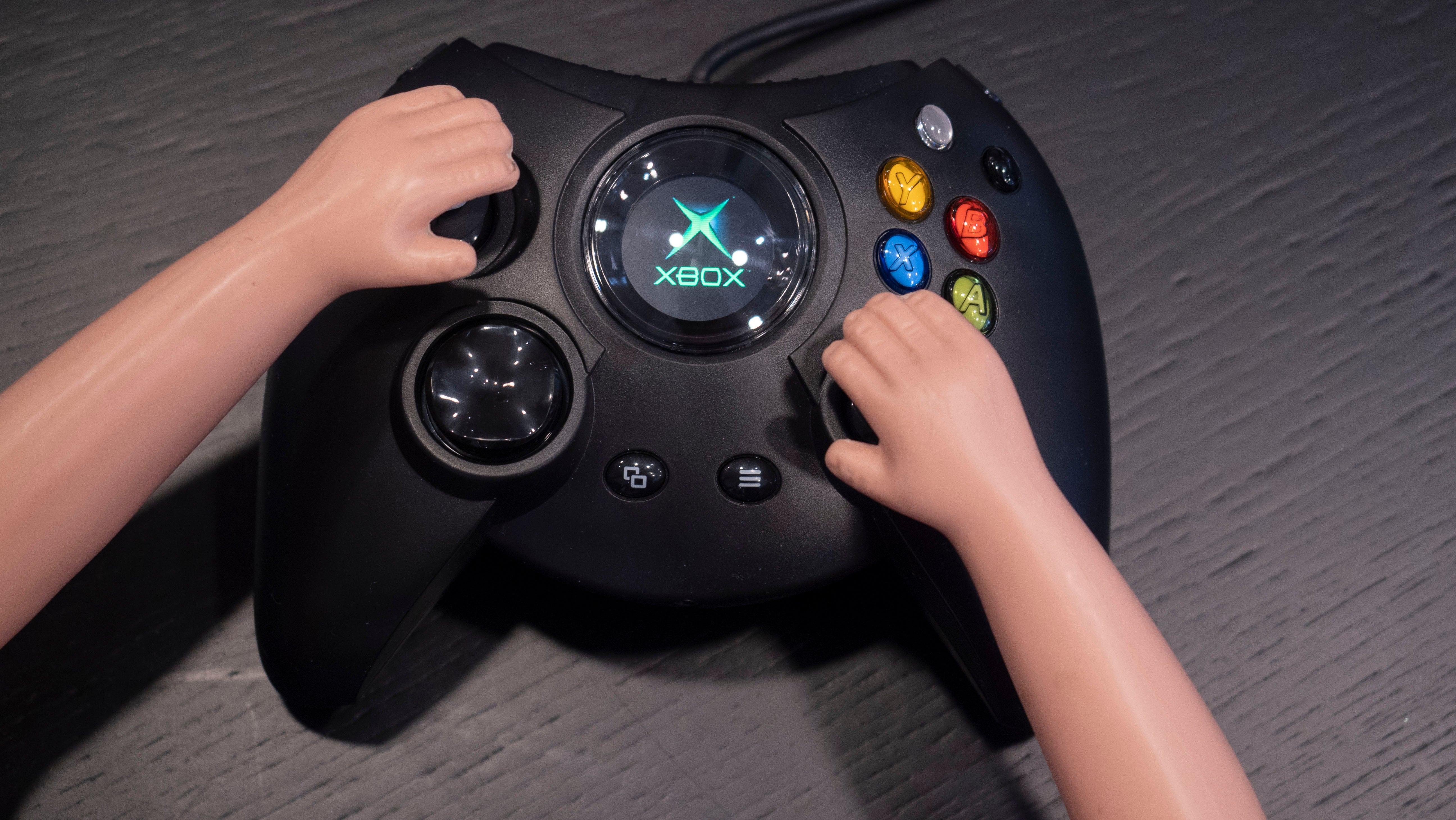 Hyperkin's Duke Xbox Controller Is Every Bit As Ridiculous