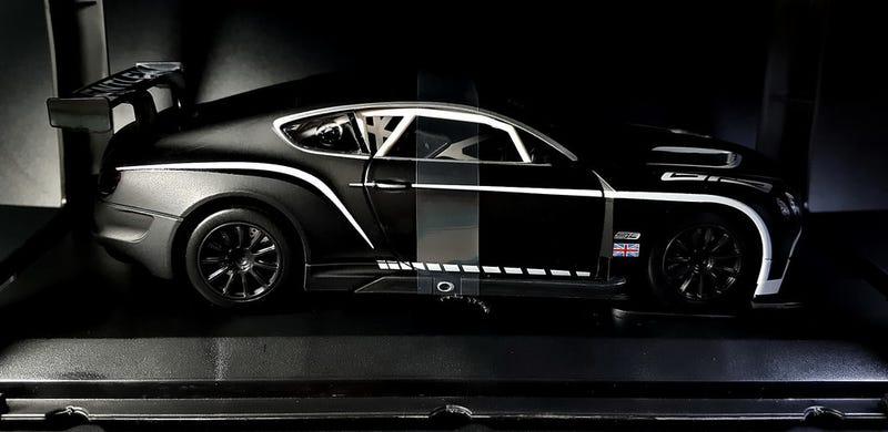 Illustration for article titled A black Bentley
