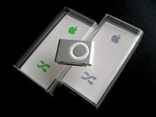Illustration for article titled Get the Latest iPod shuffle Earbuds: Telling the Old Box vs. the New