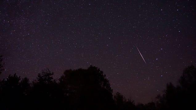 Watch the Orionid Meteor Shower Peak This Weekend