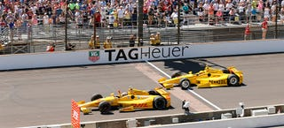 Illustration for article titled This Is How Crazy Close The Indy 500 Finish Was