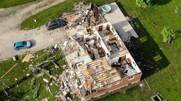 These Tornadoes Left Ohio Communities Looking Like a War Zone