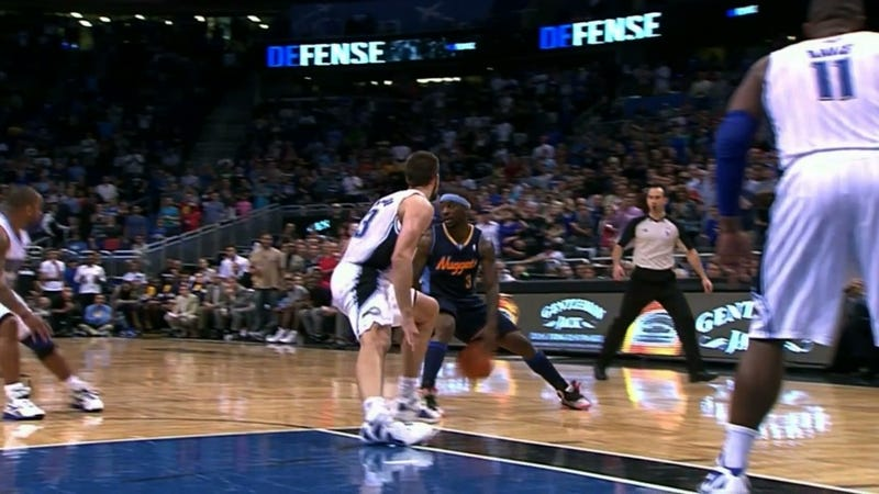 Illustration for article titled Ty Lawson's Crossover Dribble Literally Busted Ryan Anderson's Ankle