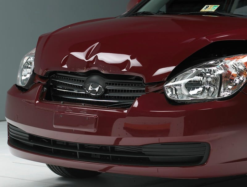 Illustration for article titled IIHS: Small Cars Are Big On Damage In Low-Speed Collisions