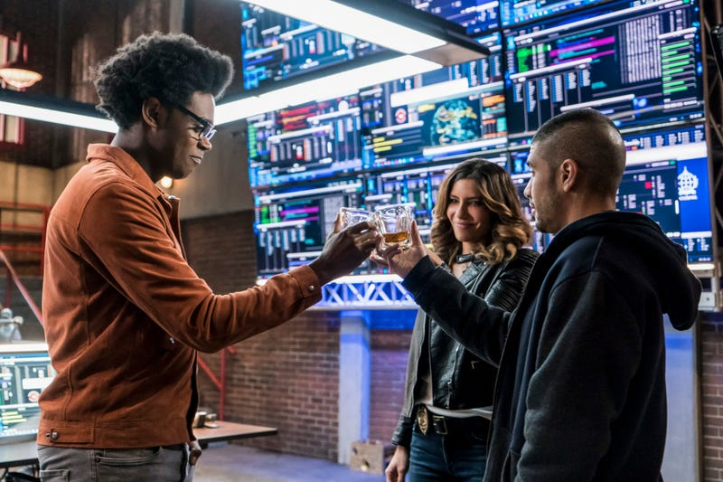 Echo Kellum, Juliana Harkavy, Rick Gonzalez (Photo: Daniel Power/The CW)