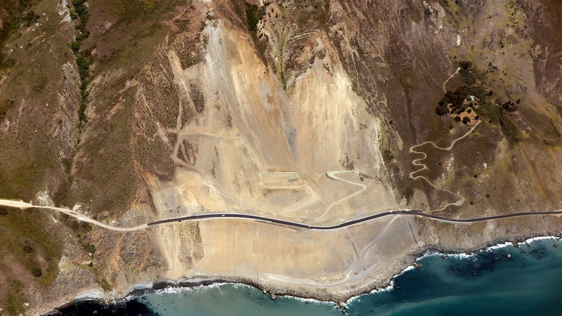 Illustration for article titled California's Famed Highway 1 Reopens 15 Months After Landslide