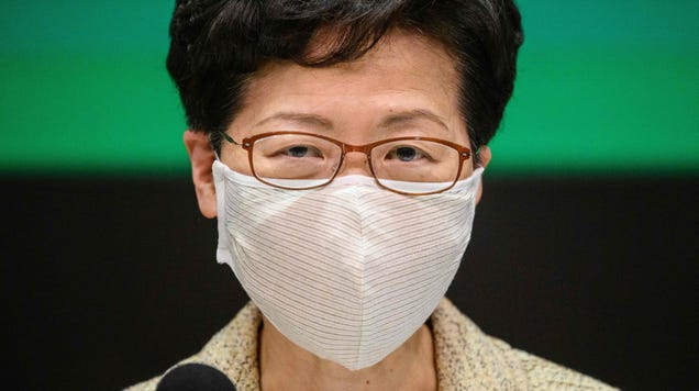 Hong Kong to Give Free Masks to Every Family As It Prepares to Reopen Economy