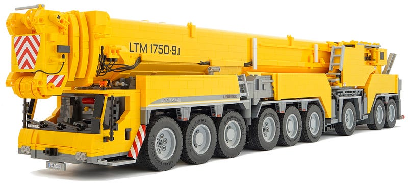 This Working 18-Wheel Lego Mobile Crane Is a Straight-Up