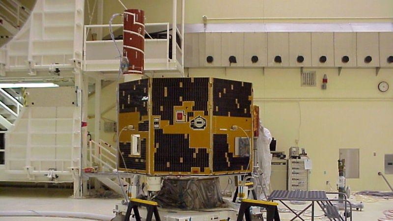 El satélite IMAGE durante unas pruebas en las instalaciones Lockeed-Martin. Imagen: NASA