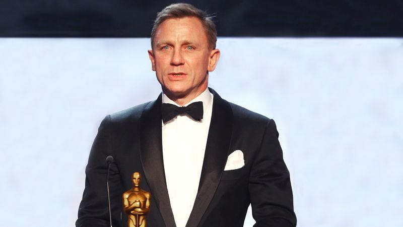 Illustration for article titled Daniel Craig Takes Home Pretty Good Actor Award