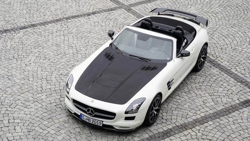 Illustration for article titled Take A Closer Look At Mercedes SLS AMG GT Final Edition