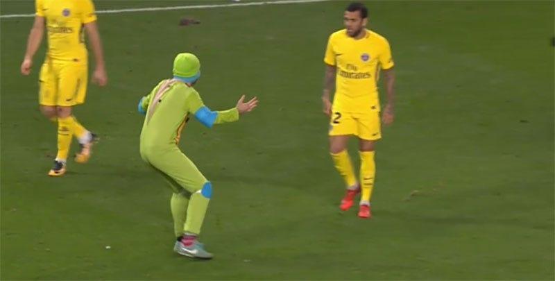 Illustration for article titled Grown Men Dressed As Ninja Turtles Interrupt European Soccer Game