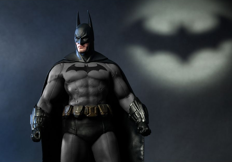 Illustration for article titled This Hot Toys Batman might be the burliest action figure ever