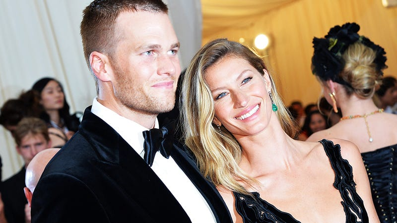 Illustration for article titled Tom Brady Whines and Pouts to Get Gisele's Attention
