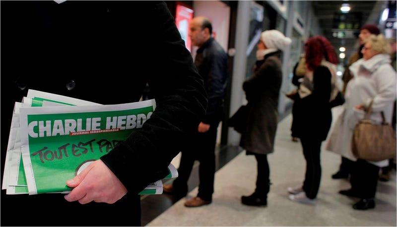 Illustration for article titled Colas en Francia para comprar la edición especial del Charlie Hebdo