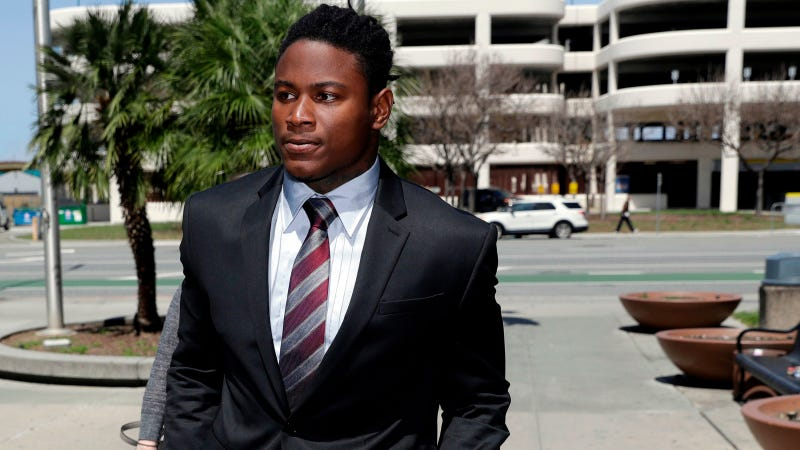 Illustration for article titled Reuben Foster's Ex-Girlfriend's Lawyer Says Her Client Lied To Police About Domestic Violence