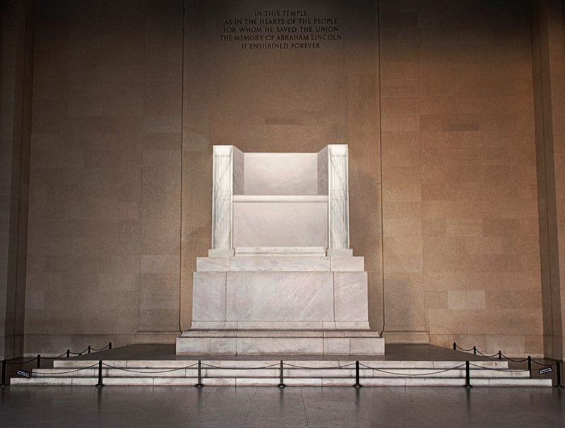 Illustration for article titled Lincoln Memorial Empty After Former President's Statue Furloughed