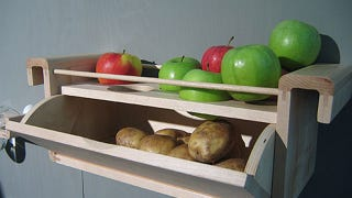 Store Potatoes with an Apple to Keep Them from Sprouting