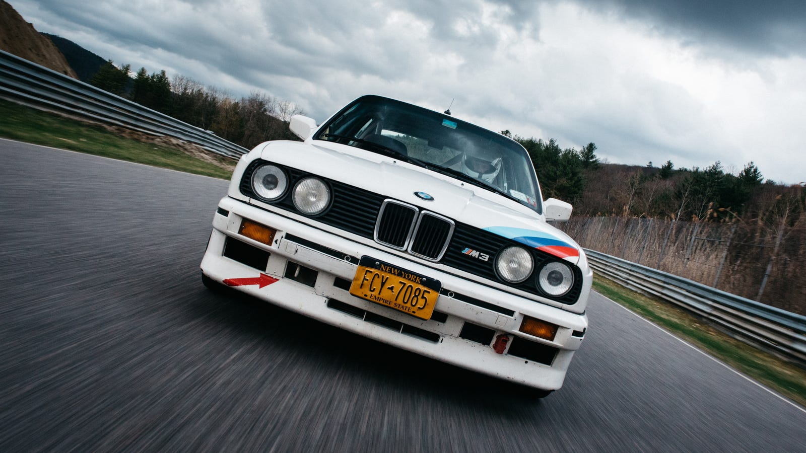 Your Ridiculously Awesome BMW E30 M3 Wallpaper Is Here