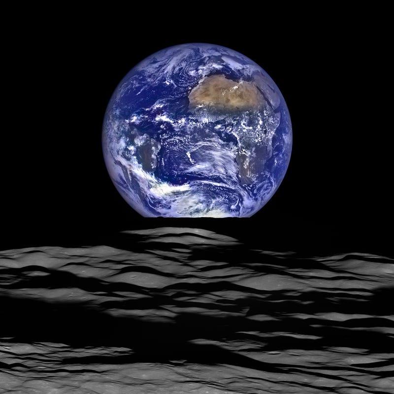 """Illustration for article titled Lunar """"Earthrise"""""""
