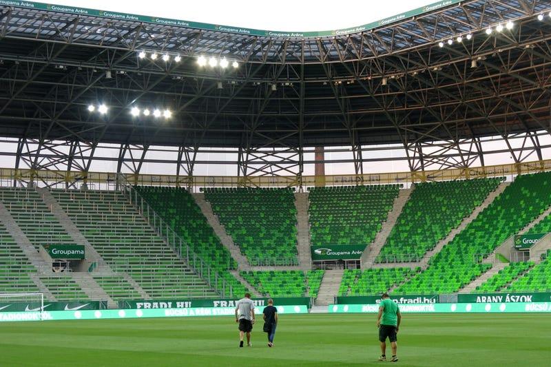 Illustration for article titled Mit gondoltok, az RTL Klub vagy a TV2 fog hirdetni a Fradi-stadionban?