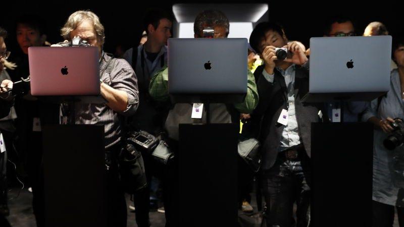 Illustration for article titled La FAA prohibe los MacBook Pro antiguos afectados por el problema en las baterías para todos sus vuelos
