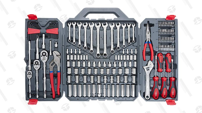 Caja de herramientas Crescent Mechanics   $78   AmazonGráfico: Chelsea Stone