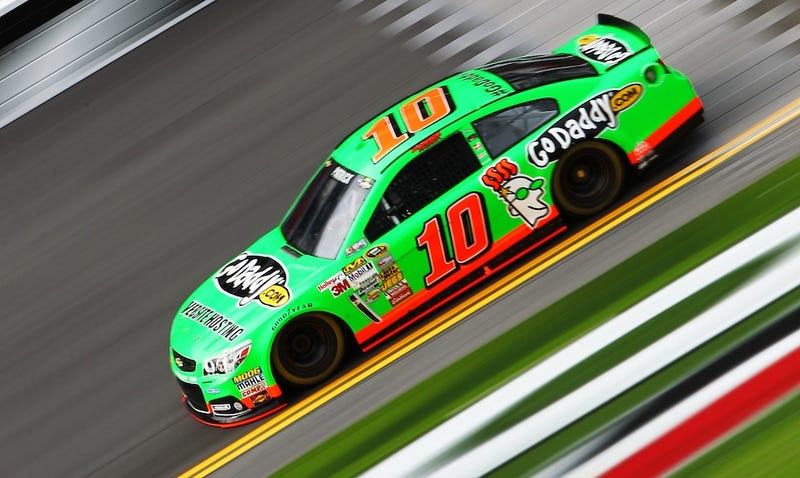 Illustration for article titled Danica Patrick Becomes First Woman In History To Win The Pole Position At The Daytona 500