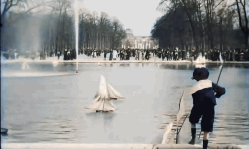 Disfruta de este paseo a todo color por el París de 1896