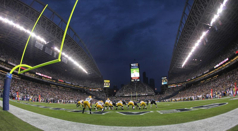 Illustration for article titled Green Bay Packers At Seattle Seahawks: Your Monday Night Football Open Thread