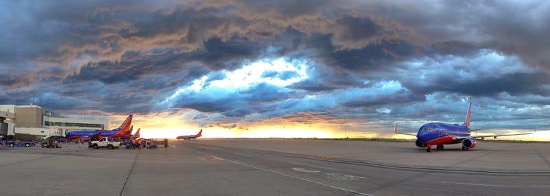 Illustration for article titled Ultimate Plane Porn – Denver Edition
