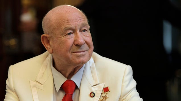How Alexei Leonov Survived the Harrowing First Spacewalk