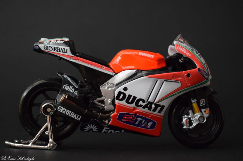 Illustration for article titled MotoGP 2012 - Nicky Hayden's Ducati