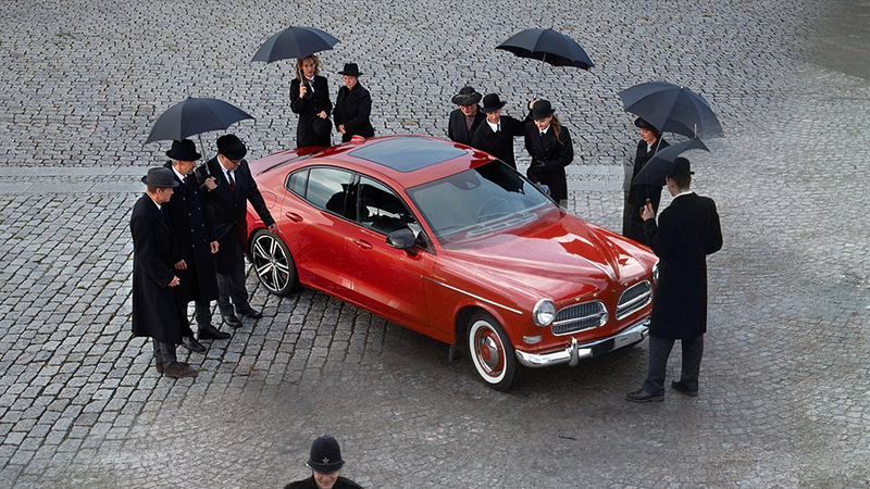 The Engineers Behind the 2019 Volvo S60 Recreated a Cute Photo of the Original 1956 Volvo Amazon