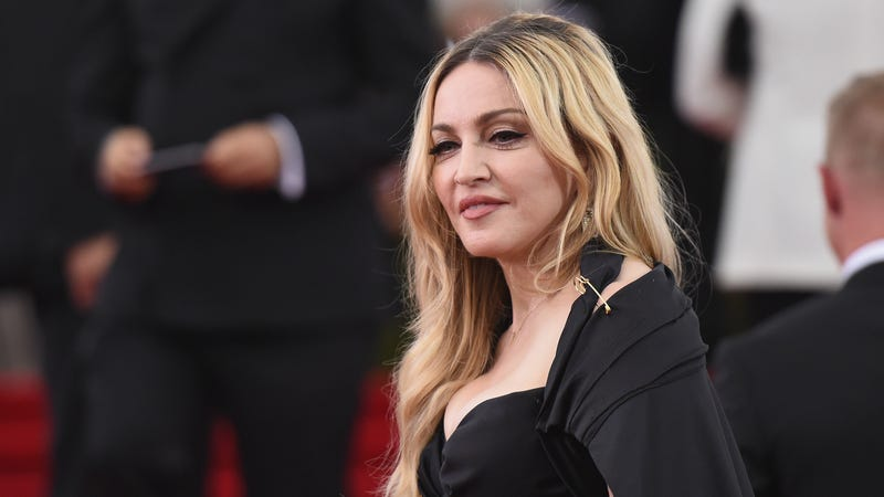 Illustration for article titled Madonna's Son Is Refusing to Spend Christmas With Her