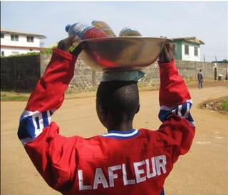 Illustration for article titled NHL Jerseys Are The Hottest New Trend In Liberia