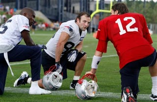 Illustration for article titled You Sure This Is Gonna Work, Tom?: Your NFL Late Games Open Thread
