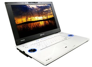 Illustration for article titled Toshiba Qosmio G45-AV680 is First HD DVD-R Laptop in US
