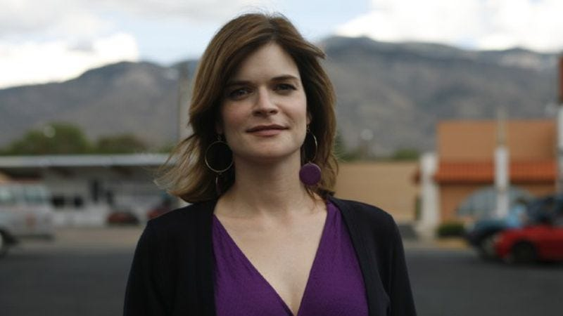 Illustration for article titled Breaking Bad's Betsy Brandt joins Michael J. Fox's sitcom, reminds you yet again that Breaking Bad is ending