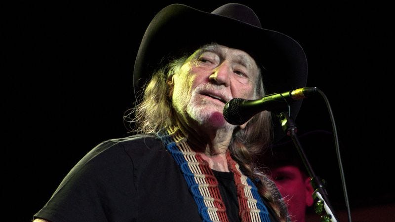 Illustration for article titled Willie Nelson gives us The Grandpa Experience in Card Tricks With Willie