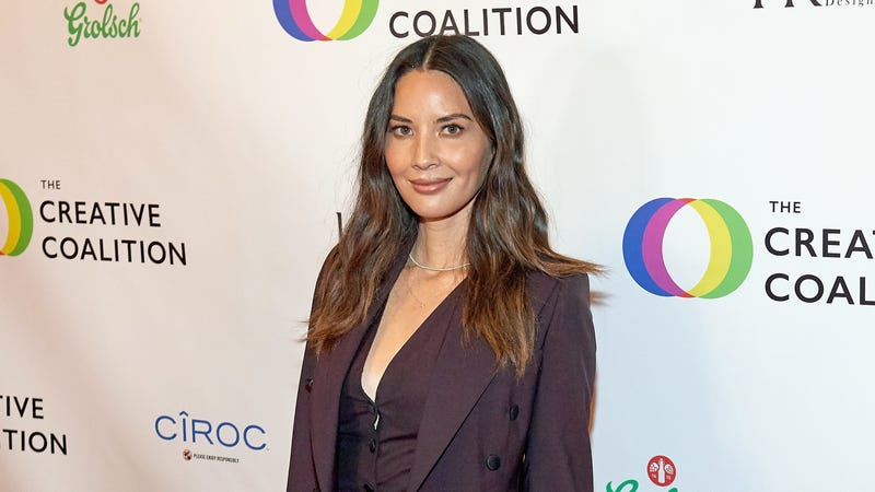 Illustration for article titled Olivia Munn hasn't heard from Shane Black since getting sex offender cut from The Predator