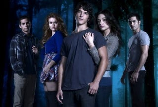 Illustration for article titled Teen Wolf cast photo