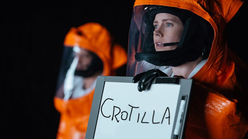 """A still from the 2016 film """"Amy Adams Tells Aliens About Crotillas"""" [Image via Paramount]"""
