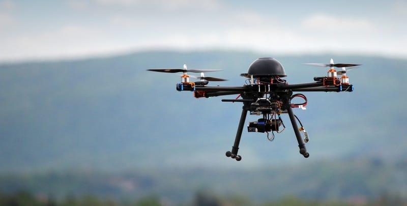 Illustration for article titled Crean un nuevo tipo de batería de hidrógeno para que los drones vuelen durante horas