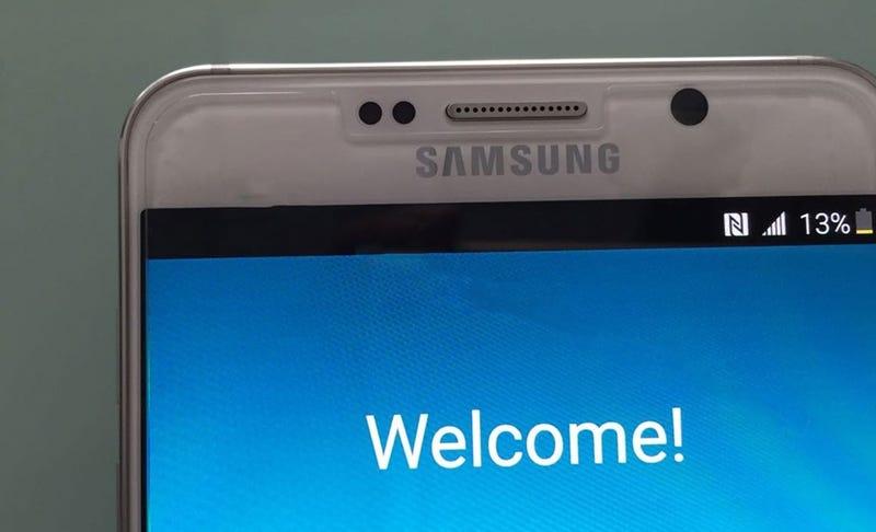 Illustration for article titled El Galaxy Note 5 se deja ver en nuevas fotos filtradas